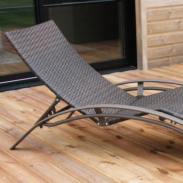 chaise-longue-resine-tressee